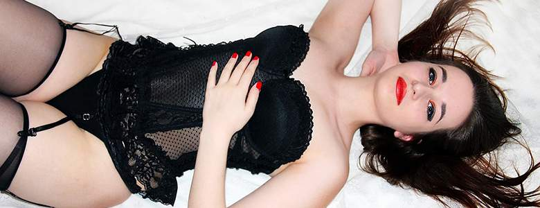 Modell in Unterwäsche bei Adultshop