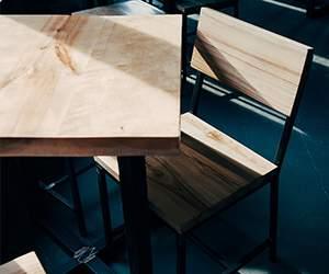 Tisch bei Artvoll