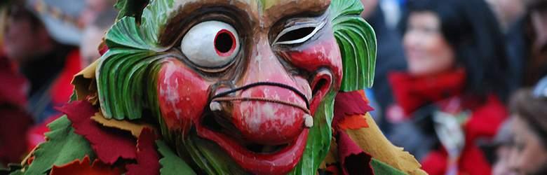 Maske bei Karneval Megastore