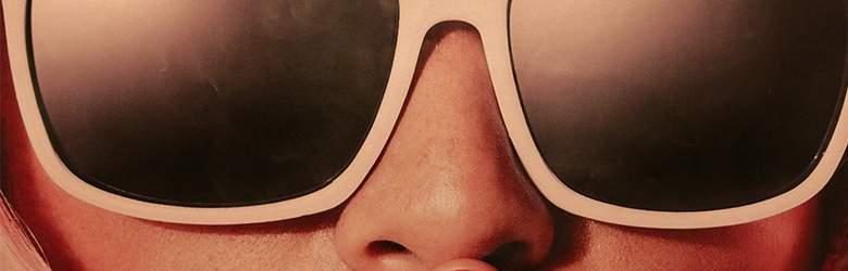 Papierbrille bei Racheshop